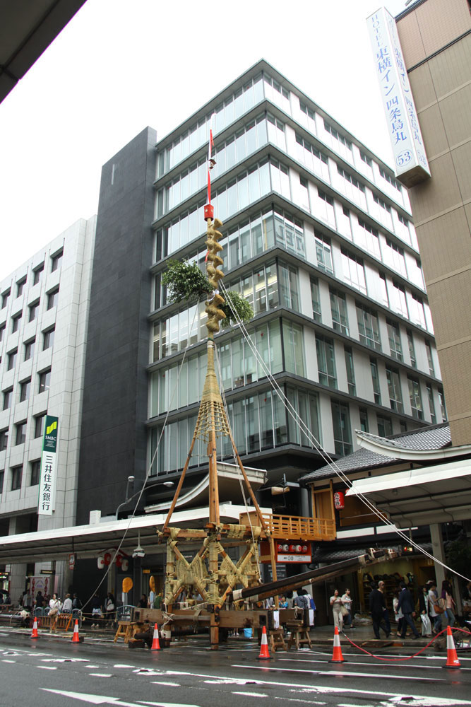 祇園祭鉾建・長刀鉾